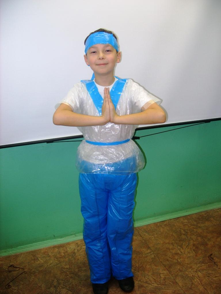 Костюмы из бросовых материалов для мальчиков своими руками