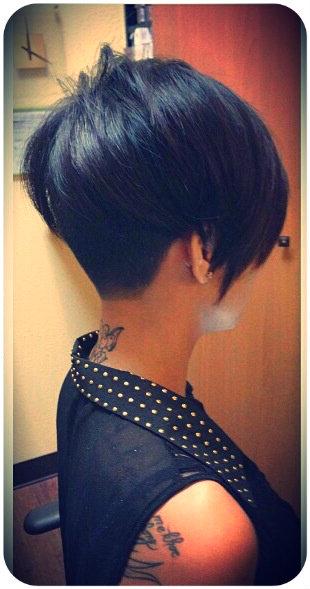 Стрижки на короткие волосы с удлиненной челкой