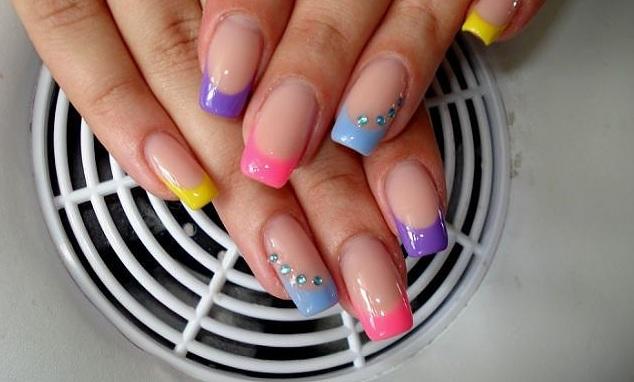 Френч цветной ногтей